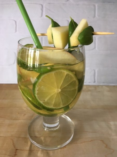 apple-lime-cocktail
